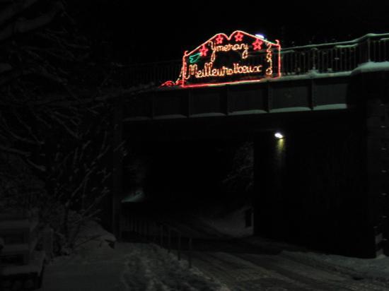 Le pont d'Ymeray: Sympa !